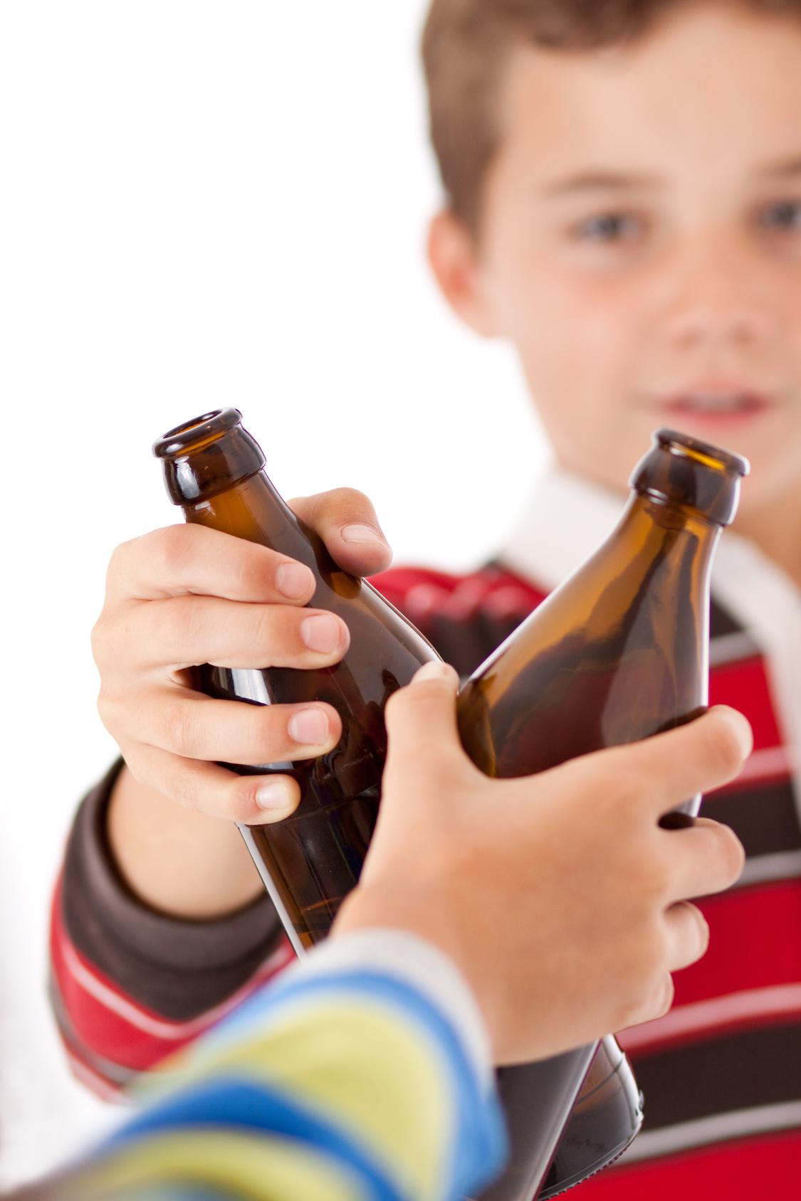 Вероятность алкоголизма у детей алкоголиков вывод из запоя дисульфирамом в москве
