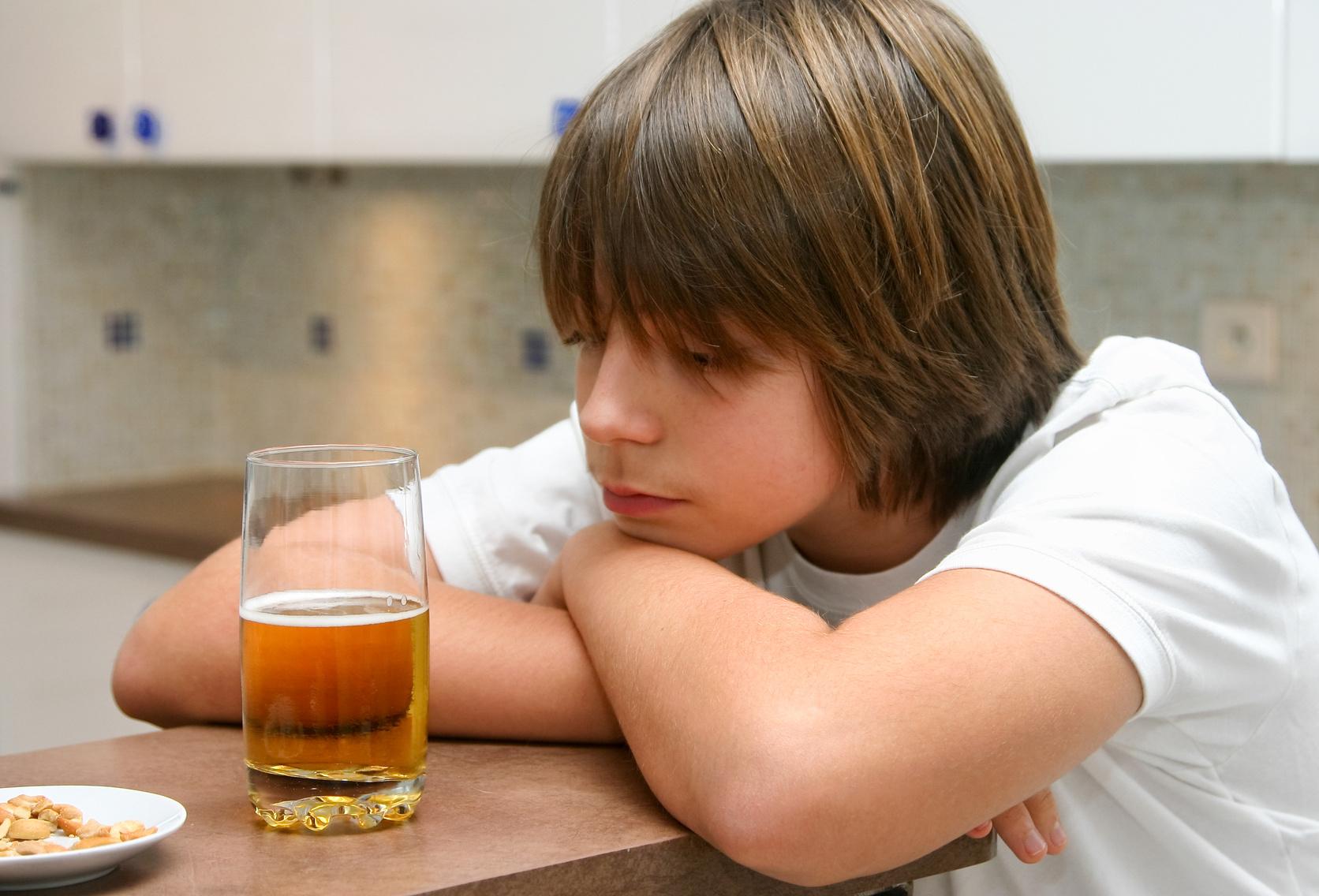 Профилактика пивного алкоголизма среди молодежи и подростков лечение алкоголизм лекарствами