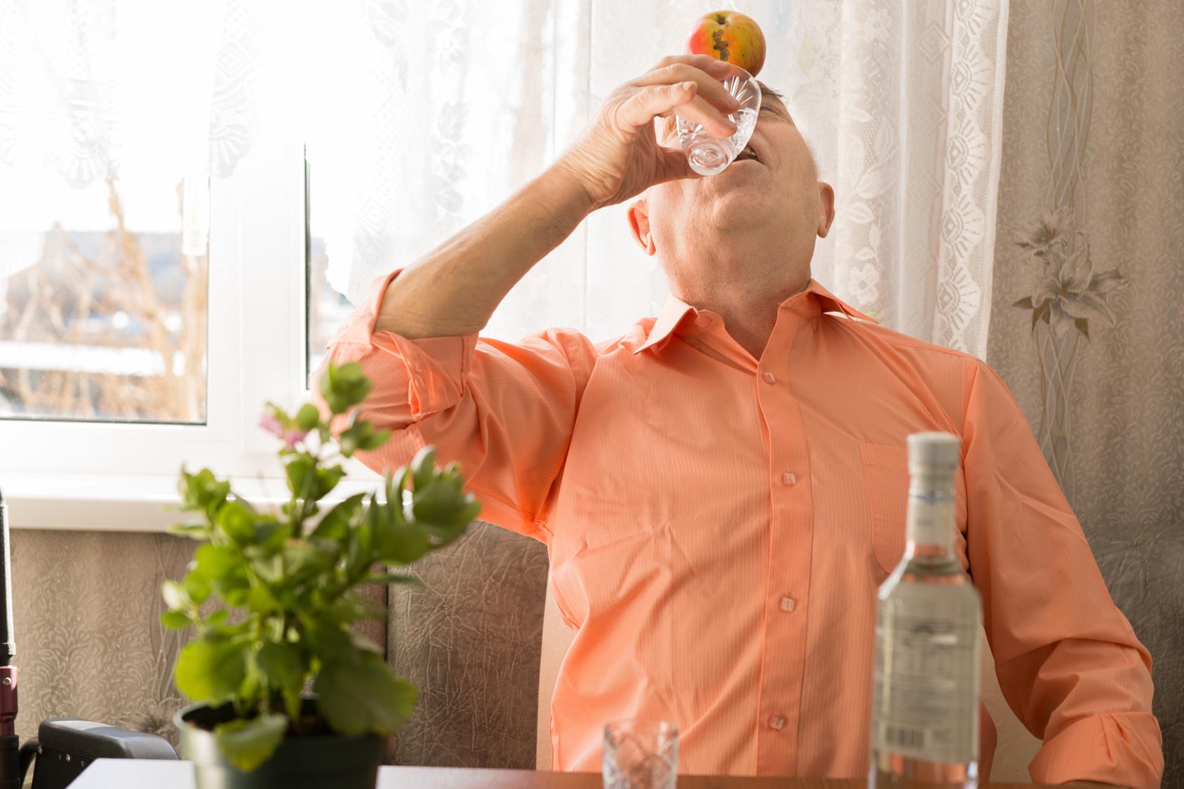 Муж не дает деньги сам пьет