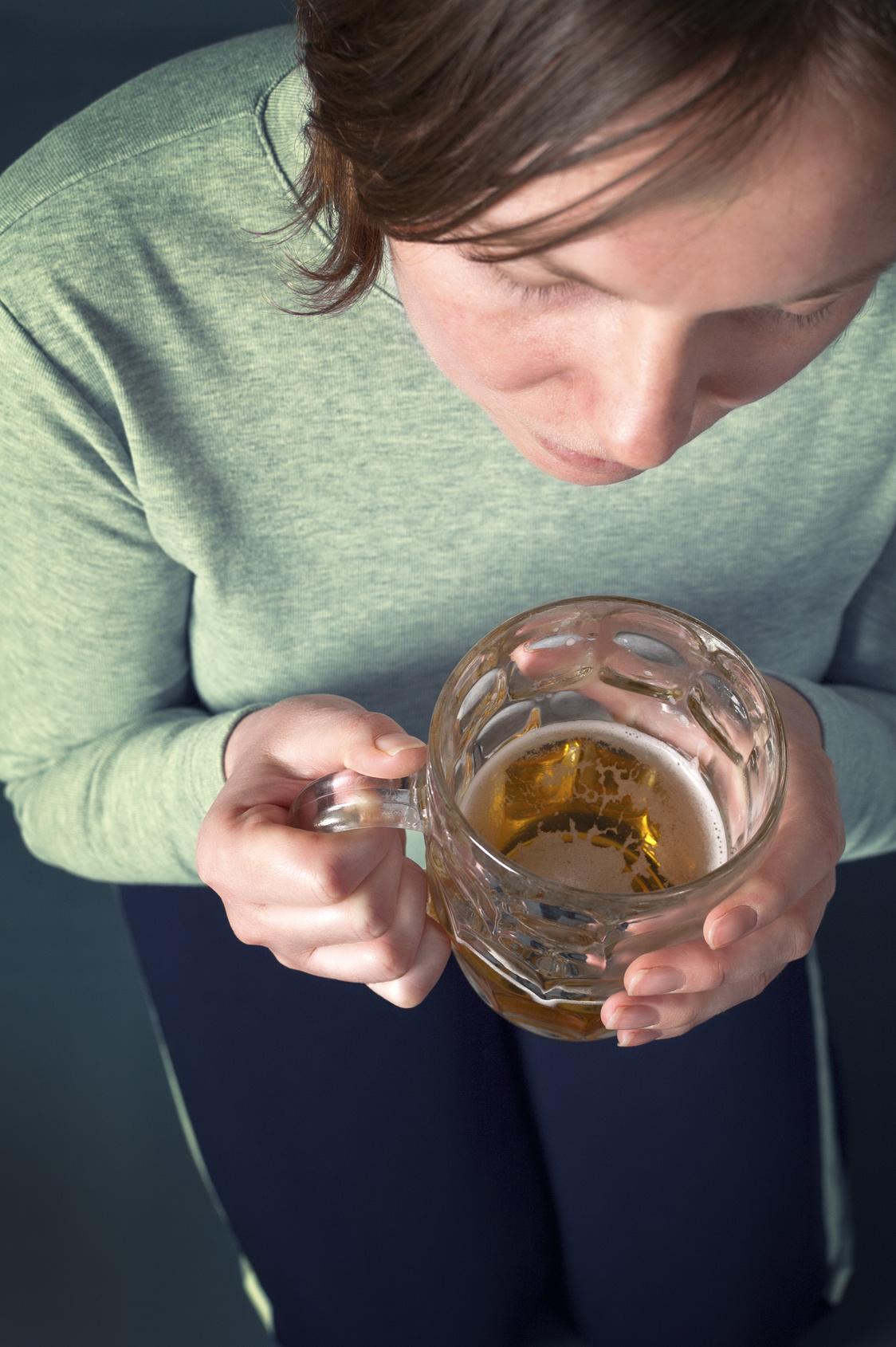 Женский пивной алкоголизм лечение шолохов умер от алкоголизма